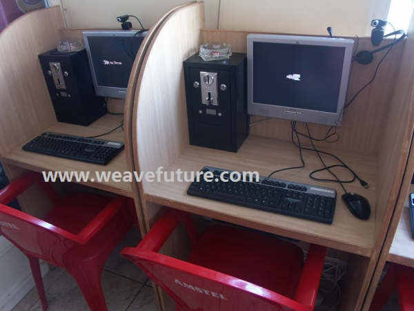 Coin Operated Internet Cafe Using AK5 In Spain
